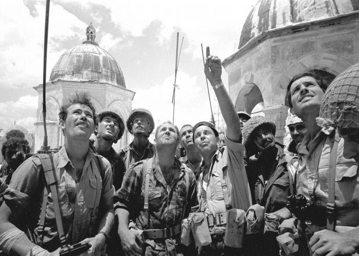 سهربازه ئیسرائیلییهكان تهواوی قودس داگیر دهكهن ـ 1967